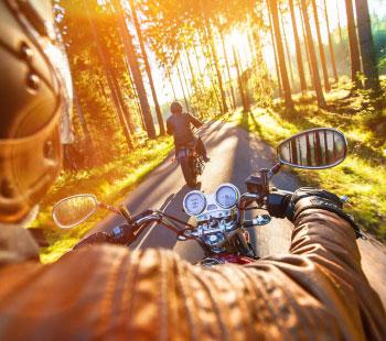 Viaja en dos ruedas: excursiones en moto