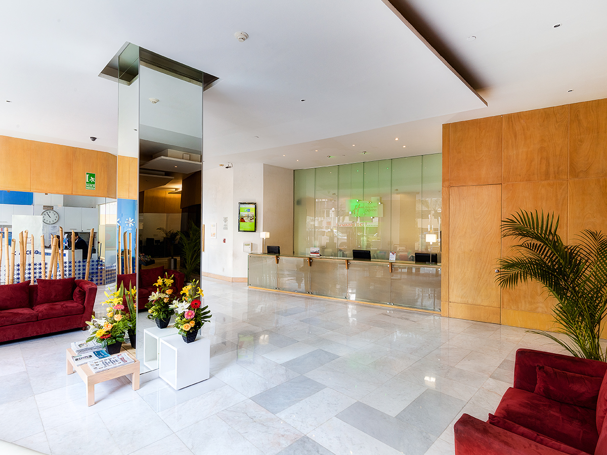 convention-meetings-salones-holiday-express-wtc-cdmx-lobby